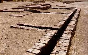 example of Ancient Indian Toilets can be seen in Lothal