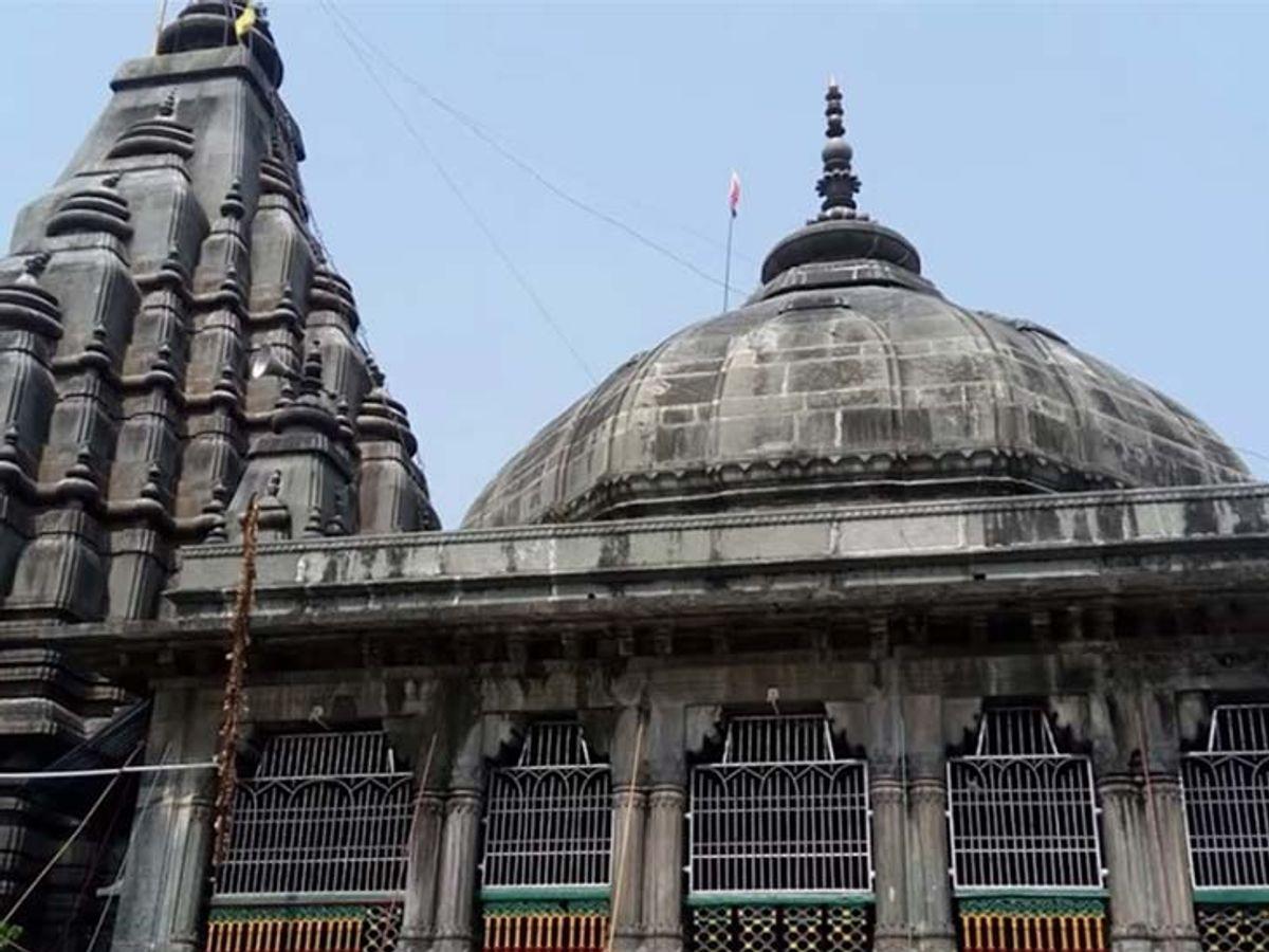 Vishnupad Temple dedicated to Lord Vishnu rebuilt by Ahilyabai Holkar