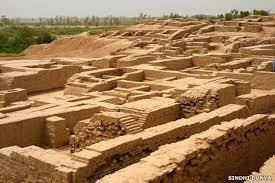 Allahdino, a small village of Harappan period well-organized settlement was abandoned by c. 2000 BCE. It is located 40 km east of Karachi.